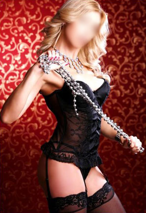 Mature Beauty Geneva French Makes Lonely Nights Full