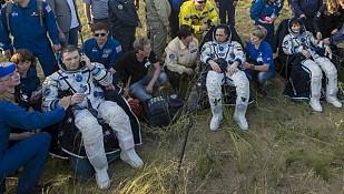 Los astronautas de la expedición 42 regresan con éxito de la EEI