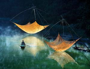 Hoang Long Ly, Fishing net checking, Vietnam 2014