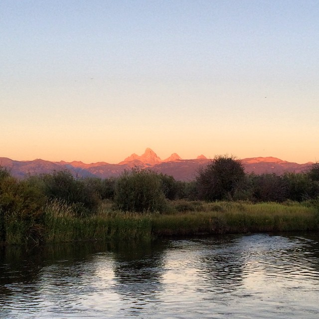 #NoFilter needed for this shot taken yesterday evening. The view of the #3peaks from the #TetonValley #Idaho @threepeaksdinnertable