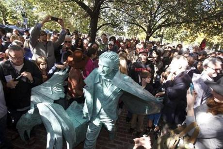 The Edgar Allan Poe Foundation of Boston unveiled a statue of the sour native by Stefanie Rocknak near the Boston Common on Sunday.