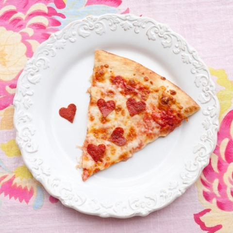 heart pizza valentines day