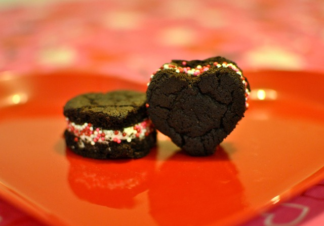 Easy Valentines treat Oreo Cakesters sprinkles-2