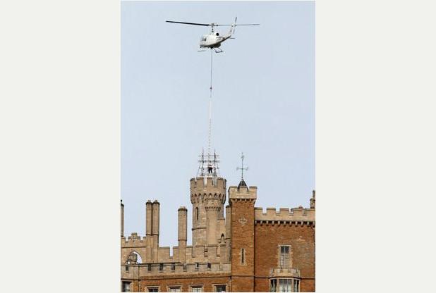 Flagpole flown into position at Belvoir Castle