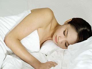 立秋后调节起居作息 适当增加睡眠
