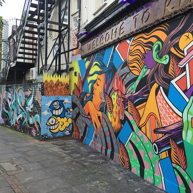 Graffitis hunting in London #shoreditch #bricklane #graffitis #streetart #london #uk