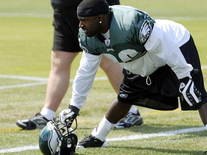 Brian Westbrook warms up for  Philadelphia Eagles Training Camp Practice