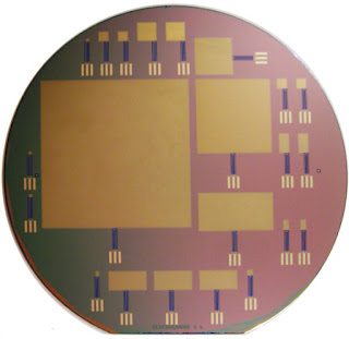 This silicon wafer consists of glucose fuel cells of varying sizes; the largest is 64 by 64 mm. Image: (Credit: Sarpeshkar Lab)