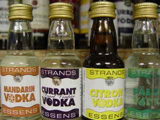 Zaprawki do alkoholu, wódki smakowe: mandarynkowa, porzeczkowa, cytrynowa, gruszkowa.