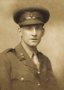 Siegfried Sassoon  by George Charles Beresford (1915) (Picture: Public Domain)