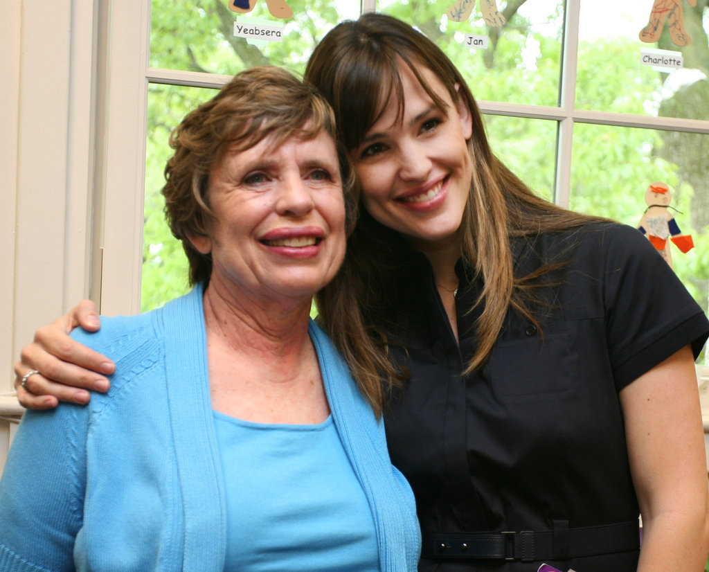 Jennifer-Garner and his mom