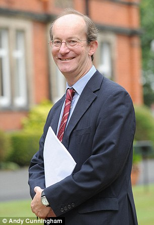 Former pupils and parents at Charterhouse school have criticised  headmaster Richard Pleming