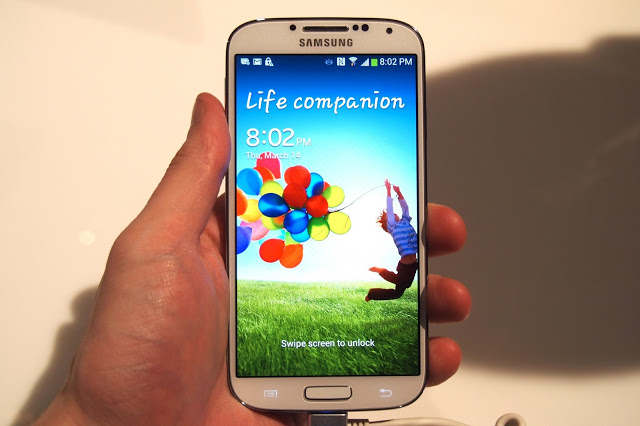 Samsung Galaxy S4 Abdroid Phone images 2