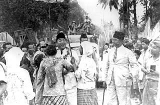 Bung+Karno+dan+Rakyatnya+2