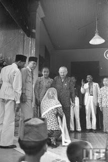 Bung+Karno+dan+keluarganya+3