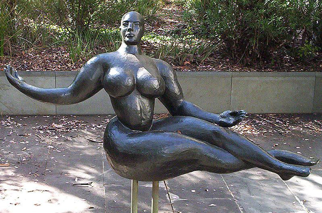 gaston_lachaise_floating_figure