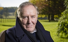 Robert Hardy: 'Daniel Craig is very good - but not at acting'