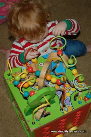 entertaining a toddler in a spic cast