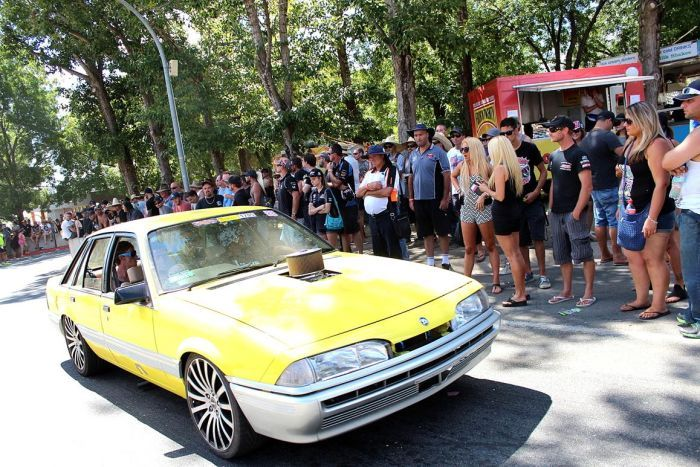 Summernats crowd