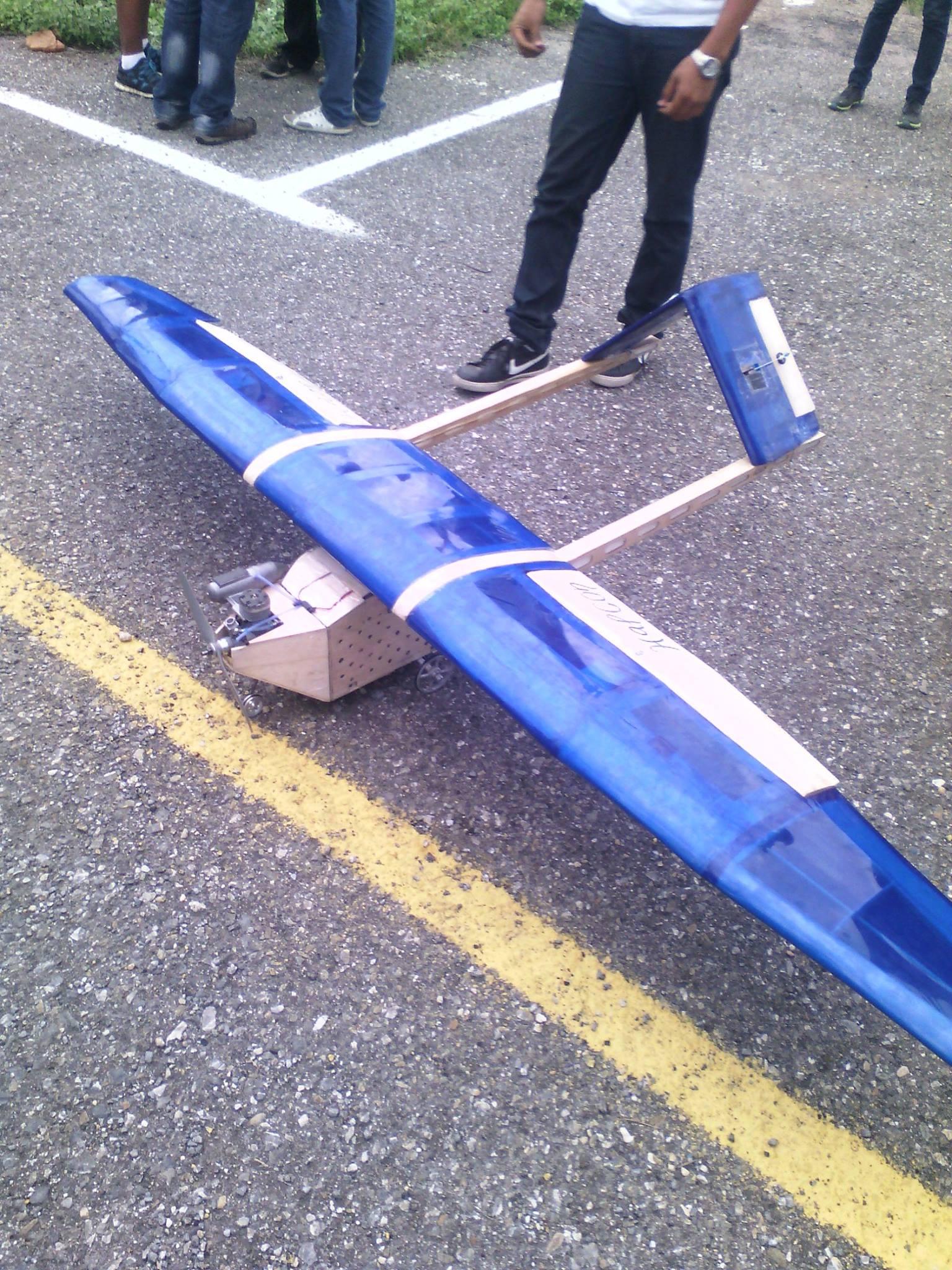 Avión Halcón.