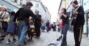 gadelarm. Gademusikanterne skal v¿k fra K¸benhavns gader og have i stedet egne scener, hvis det står til PR-medarbejder Karina Muriel Mimoun. - Foto: JESPER STORMLY HANSEN (Arkiv)