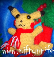 http://translate.googleusercontent.com/translate_c?depth=1&hl=es&rurl=translate.google.es&sl=en&tl=es&u=http://www.niftynnifer.com/2013/11/happy-holidays-pika-pokemon-inspired.html&usg=ALkJrhittQuyj5pukWZqV-UNiL1CrBPPVQ