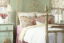 Romantic Shabby Chic / by Sharyn Scully