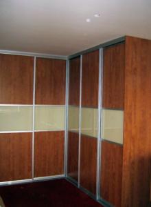 5 prednosti vgradnih omar po meri