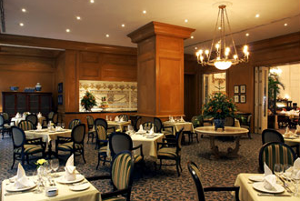 Le Bourbon Restaurant: French Cuisine in Budapest Le Meridien Hotel