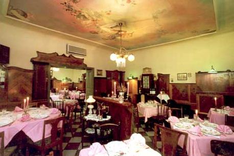 Kisbuda Gyongye Restaurant (Kisbuda Gyöngye Étterem) in Budapest