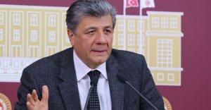 Mustafa Balbay Cumhuriyet'ten kovuldu
