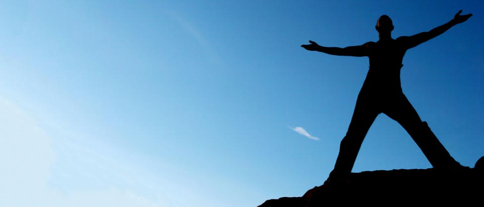 Man-Open-Arms-Blue-Sky-Silhouette-1620642_ml-960x411px