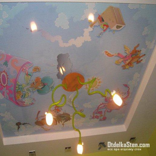 Потолки навесные в детской комнате – качественный материал и красивое оформление