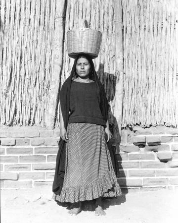 modotti-tina-woman-in-juchitan-mexico-1929