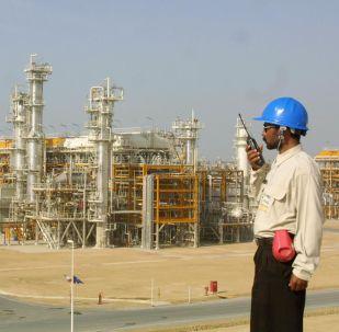 イラン、原油採掘拡大は続行