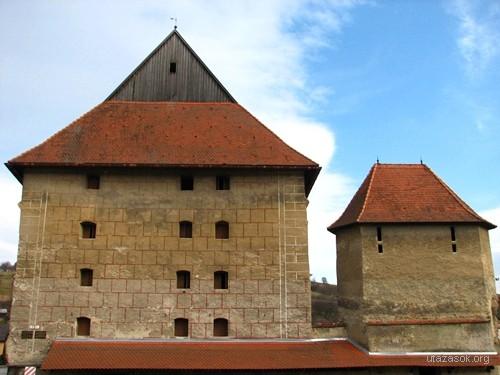 Bártfa, az egykori középkori városfal tornyai