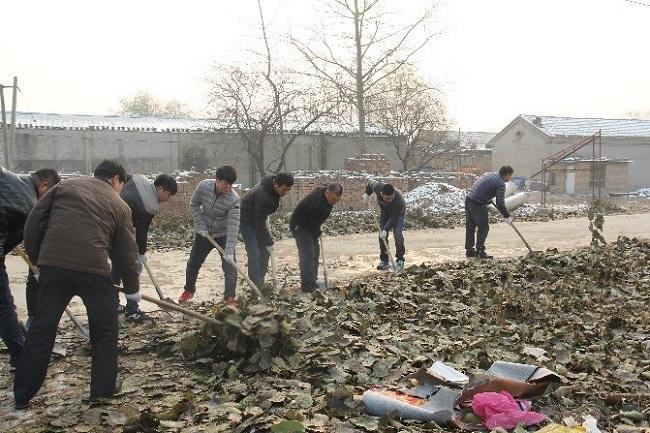 开发区积极组织开展环境卫生清扫活动