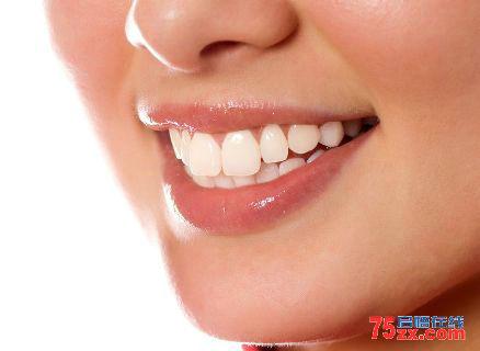 5方法助您轻松强效牙齿美白