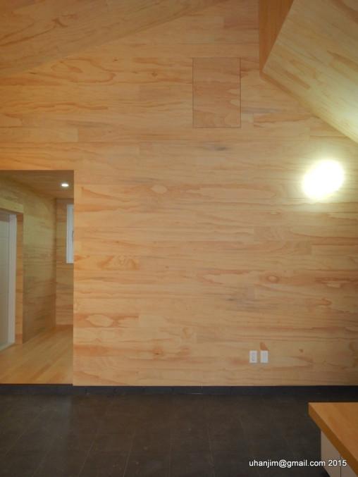시원한 목재 벽면