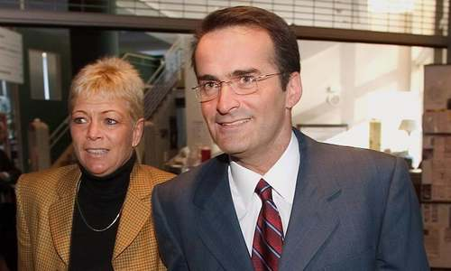 Former Canadian Cabinet minister, wife killed in plane crash