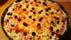 pizza z czarnymi oliwkami