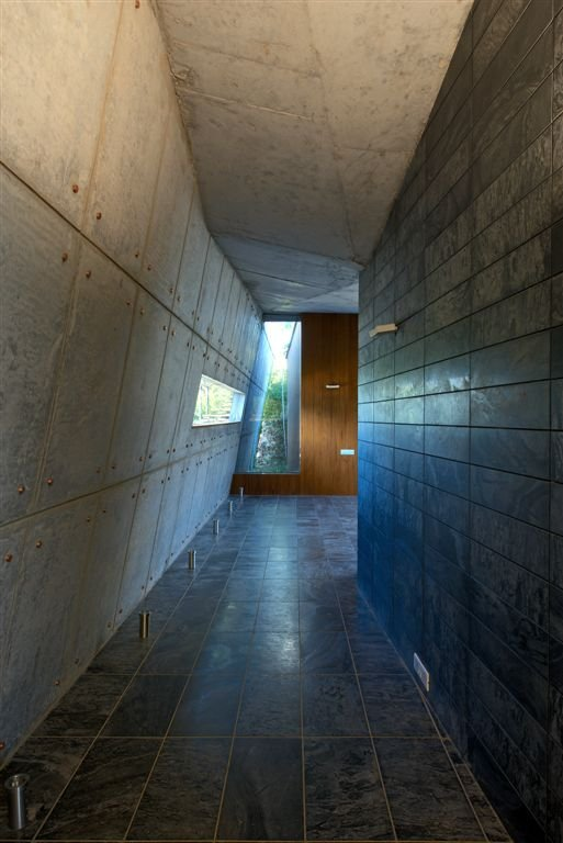 Amazing Himalayan House Provides Fresh Panorama and Leafy Greenery: Modern Concrete House Modern Hallway Black Floor ~ dickoatts.com Amazing Home Designs Inspiration