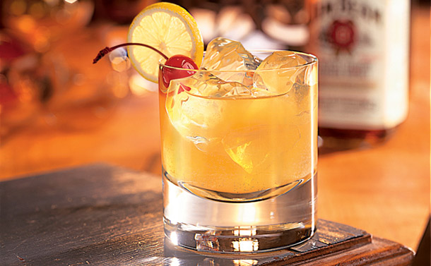 Manly Drinks Whiskey Sour