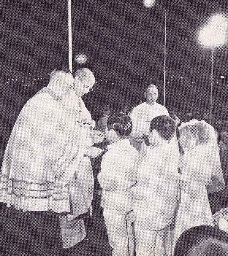 First Communion with the Pope (Luneta, Nov. 28, 1970)