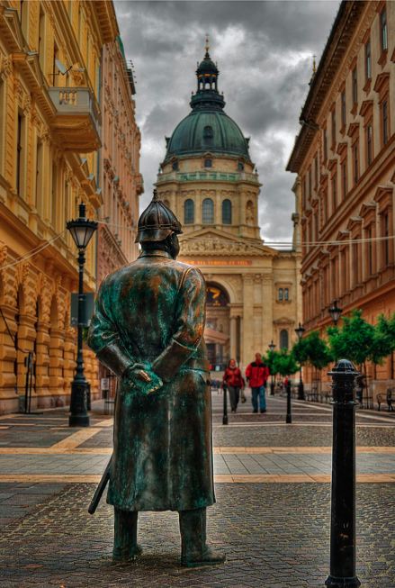 Policeman by the Basilica in Budapest - photo by Leon de Nemea