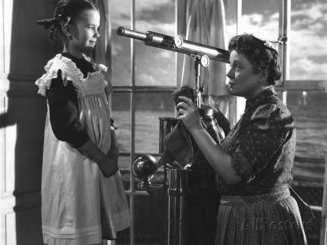Lucy's daughter Anna (Natalie Wood) and faithful retainer Martha (Edna Best) in a promotional shot