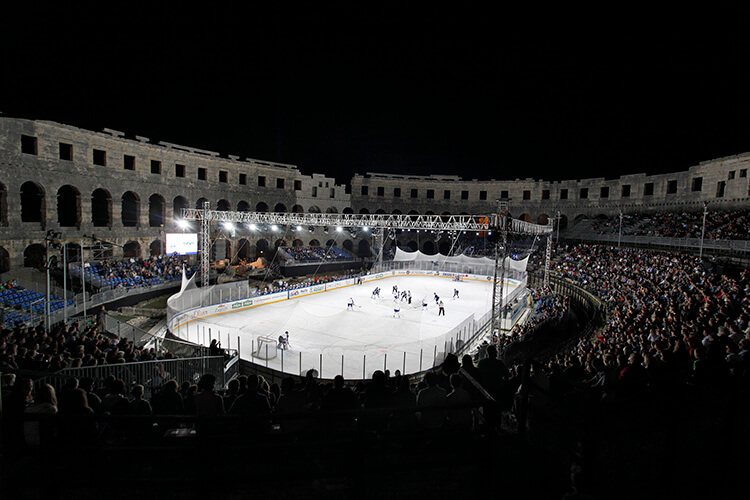 Ice Hockey in Roman Amphitheatre in Pula | Total Croatia