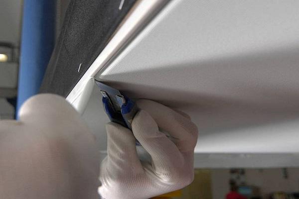 Как крепить тканевый потолок