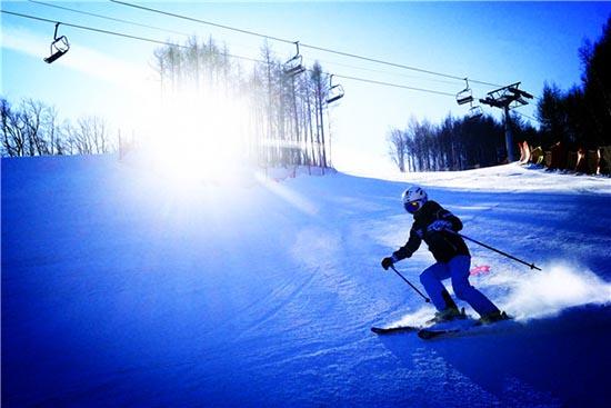 滑雪正当时 是时候去雪地里瞧瞧了!