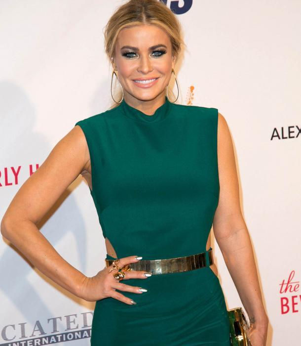 here s carmen electra at some charity event in la and yes i know you